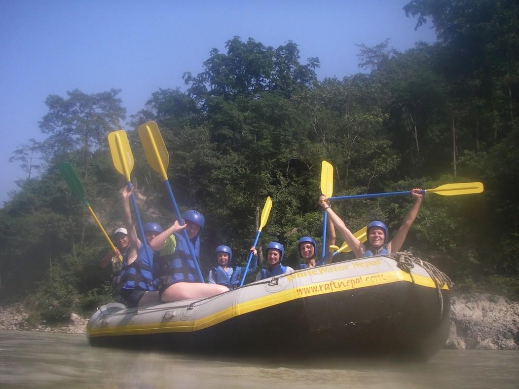 Kelionė į Nepalą - plaukimas Seti upe