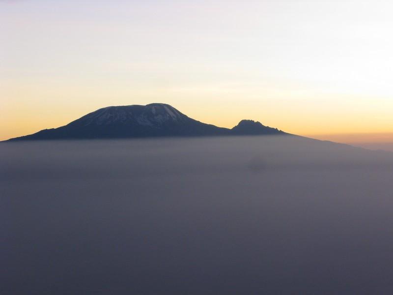 Kilimandzaras -vaizdas nuo Meru kalno